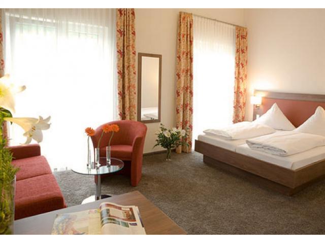 Hotel Rest. & Bacchusstube Donaublick