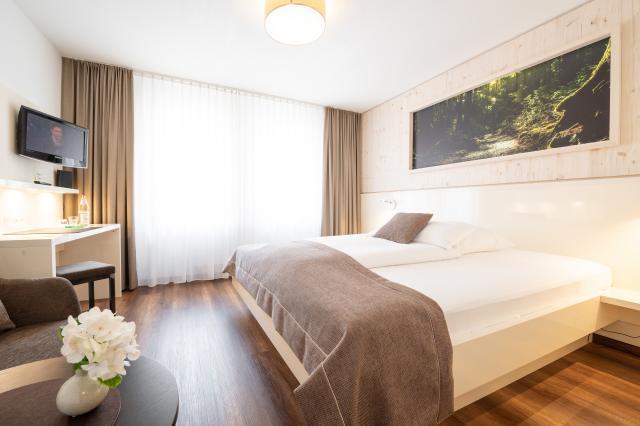 Weinstadt-Hotel mit Restaurant `s Krönchen