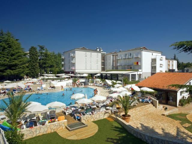COOEE Pinia Hotel