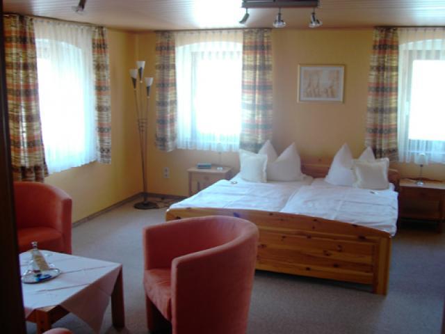 Hotel & Campingplatz Schloß Issigau