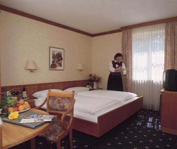 "Hotel Am Schloßpark ""Zum Kurfürst"""