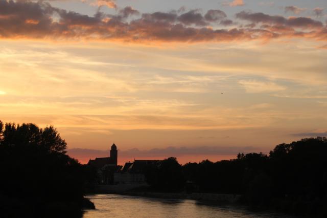 Danubio - Tagen-Feiern-Schlafen