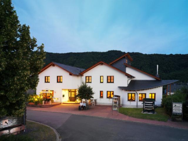 Weingut-Destillerie Zisch