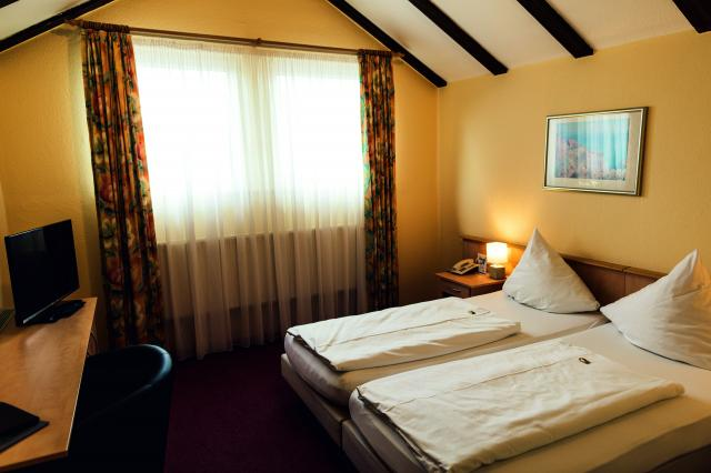 Arens Hotel 327mNN