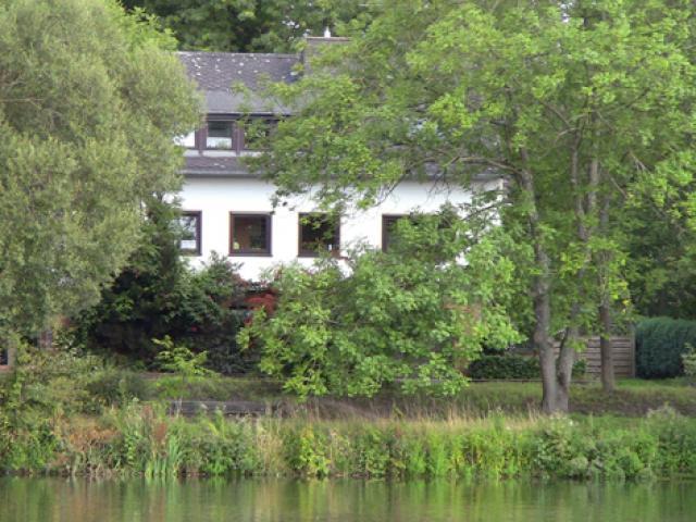 Haus am Saarufer