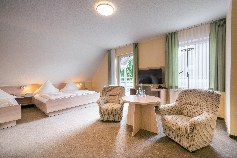 """Hotel-Pension """"Buchfink"""""""