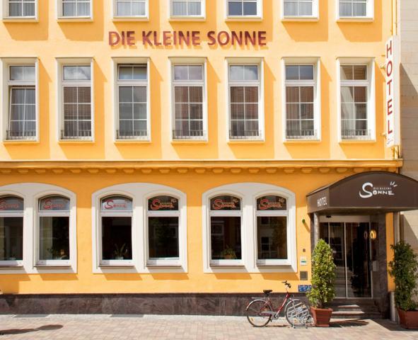 """Hotel """"Die kleine Sonne"""""""