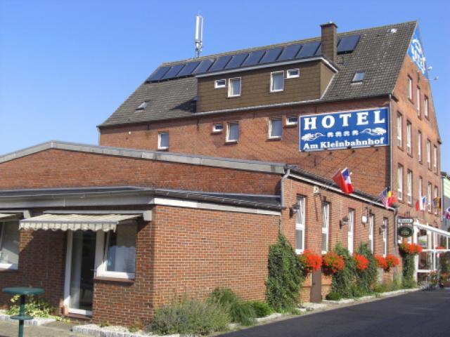 """Hotel """"Am Kleinbahnhof"""""""