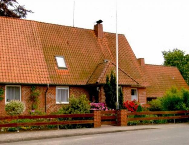 Gästezimmer + Ferienwohnung Strathusen