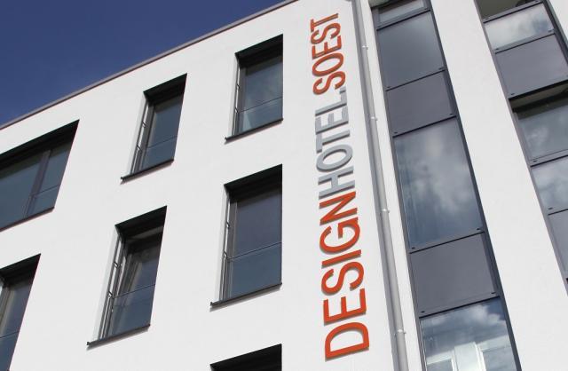 Bett bike deck 8 designhotel soest unterkunft for Deck 8 design hotel soest