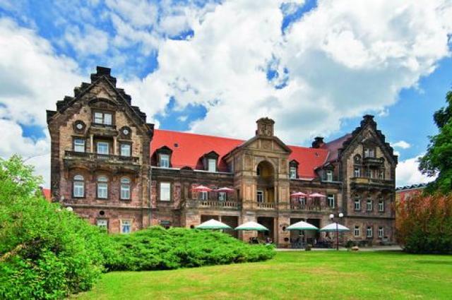 Hotel Himmelsscheibe + Hotel Schloss Nebra