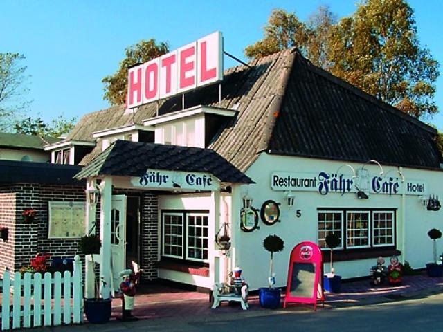 "Hotel-Restaurant ""Fähr-Café"""