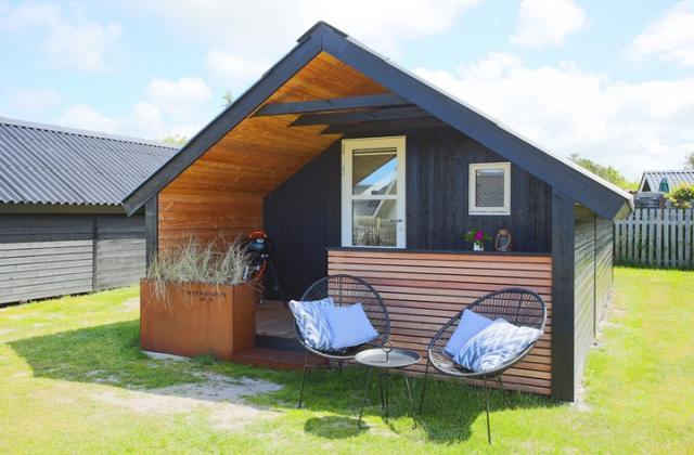 Camping Sommerküche : Bett bike henne strand camping unterkunft