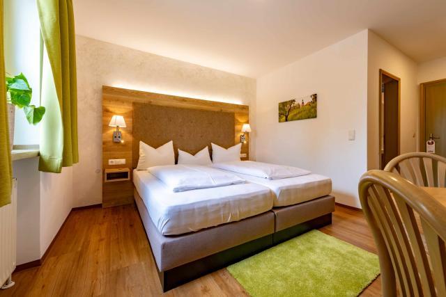 Zur Post Kümmersbruck Hotel & Tiny Houses