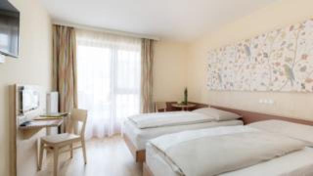 JUFA Hotel Stubenbergsee