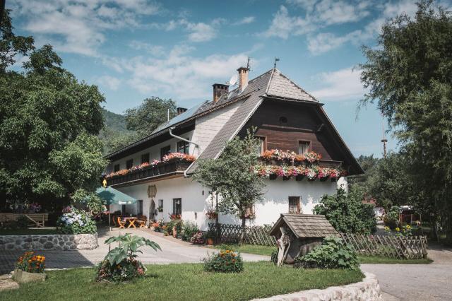 Jausenstation und Urlaub am Bauernhof Feldbauer