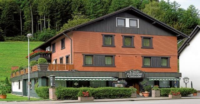 Hotel & Café Carola